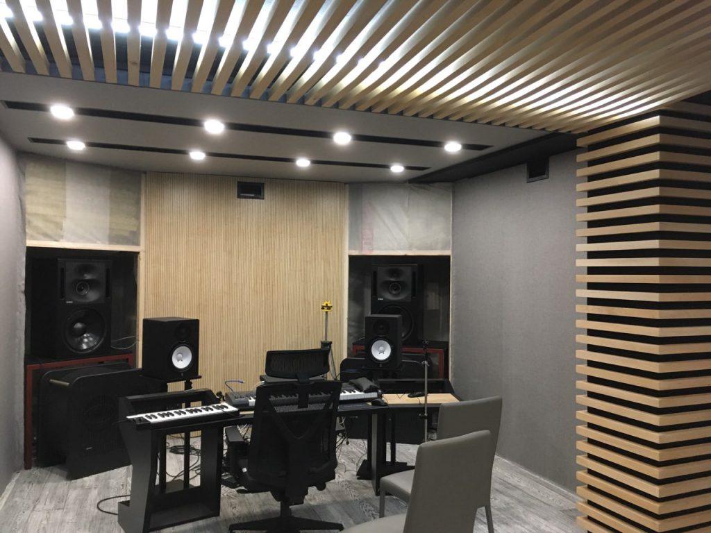 Акустические перфорированные панели DECOUSTIC в одной из Кишинёвских музыкальных студий